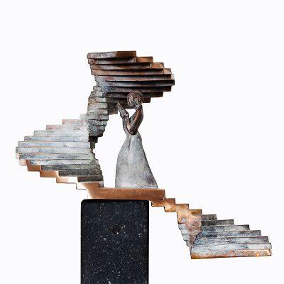 Upstairs | 25 cm hoog | UNICUM
